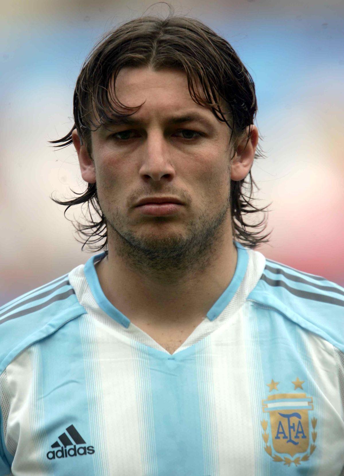 Gabriel Heinze con la Selección Argentina de Fútbol. Medalla de oro. Atenas. Año 2004.